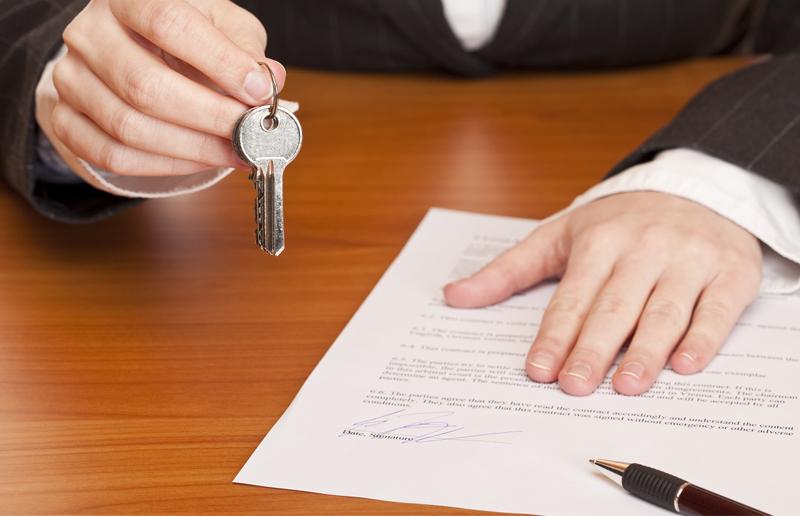 Может ли муж продать приватизированную квартиру